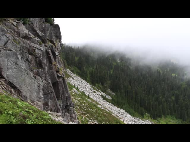 3049 Panorama video of clouds blowing over on the Cloudy Pass Hiker Shortcut Trail