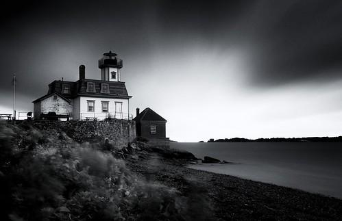 roseislandlighthouse roseisland lighthouse longexposure le newenglandcoast coastalnewengland ri rhodeisland newport rockyshores blackandwhite bw unitedstates us