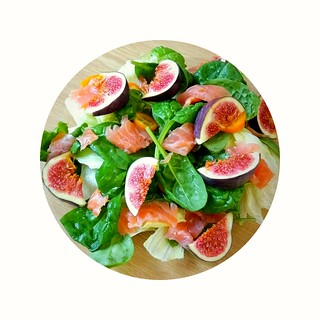 (95% raw) salad with salmon & figs