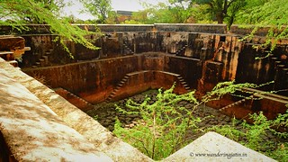 Dried stepped well in Budi Fort   by wanderingjatin