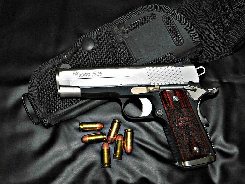 Sig Sauer C3 45acp   The 1911 C3 is a 7+1 compact  45ACP fea