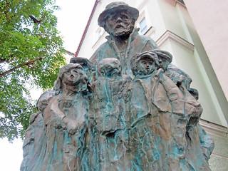 Günzburg - Korczak-Denkmal