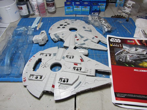 Revell_Millennium_Falcon_Build_Play_contents   by dermot.moriarty