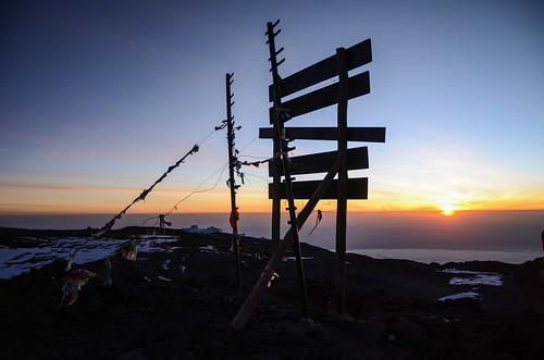 kilimanjaro summit tanzania sunrise hiking