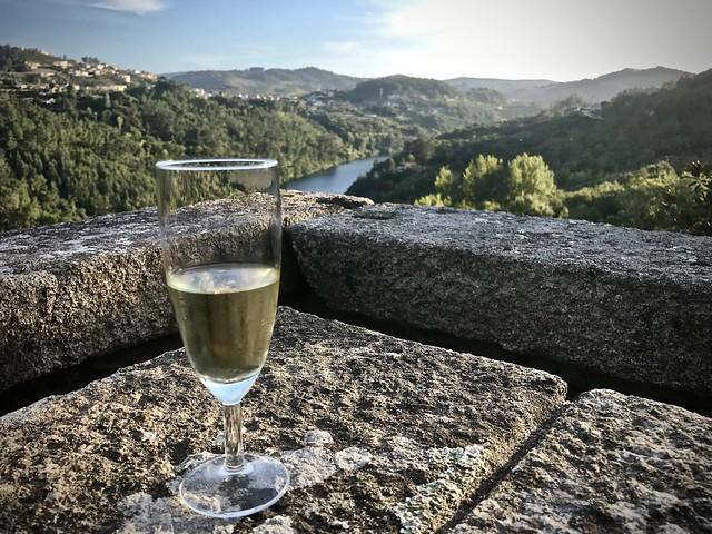 Vinho verde above the Douro