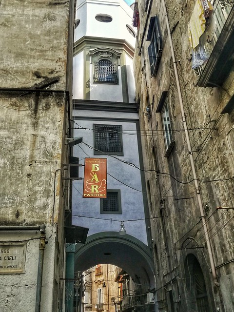 Largo Regina Coeli, Napoli
