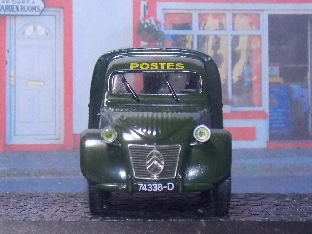 Citroën 2CV AZU – 1955 – Postes