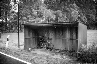 _bus_shelter   by l--o-o--kin thru