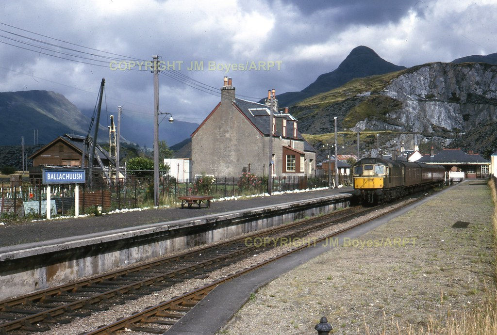 151 d5366 at ballachulish station with the 16