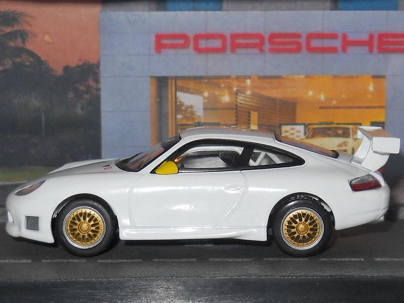 Porsche 911 GT3 R – 2000