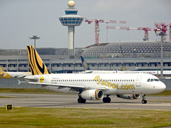 Scoot Airbus A320-232 9V-TAU Scoot-Tigerair Hybrid Livery SIN/WSSS