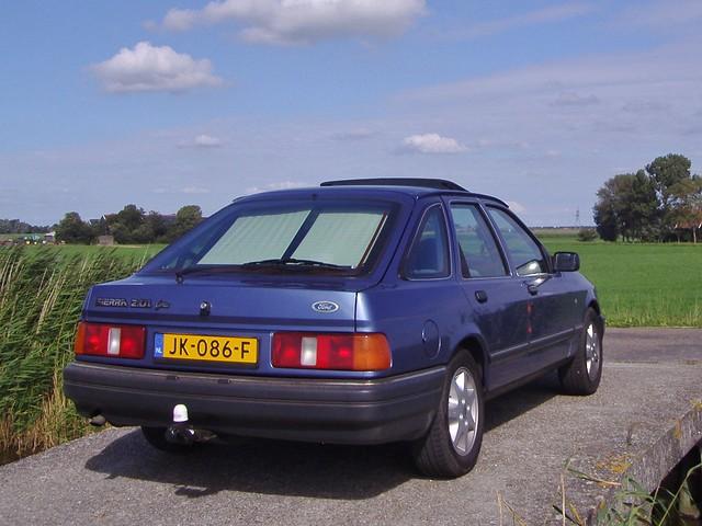 Ford Sierra 2.0 EFi Ghia 1987, Meerdijk, Driehuizen, Nederland.