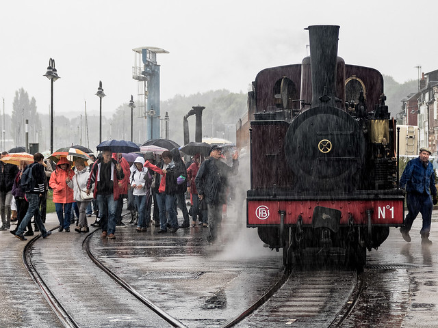 Jour de pluie sur les rails