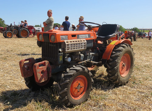 Kubota B7000 4wd Tractor | by Spottedlaurel