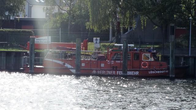 1974 Berlin-W. Löschboot III von Deutsche Industrie-Werke (DIW) in Spandau Bau-Nr. 242 Feuerwache Spandau Süd 3200 Betckestraße 13 in 13595 Spandau