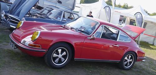 Porsche 911 caisse en restauration par les ateliers du centr 37255473016_9ea0c0b69c