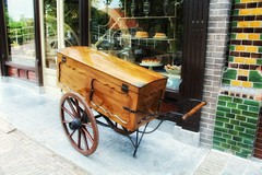?Stop on the way To the bakery?#goodmorning #goedemorgen #gutenmorgen #bonjour #bongiorno #buenosdias #saturdays #song #music #nellyfurtado #musiclover #musiclovers #bakery #bakker #vintage #streetphotography #streetshot #straatfotogra