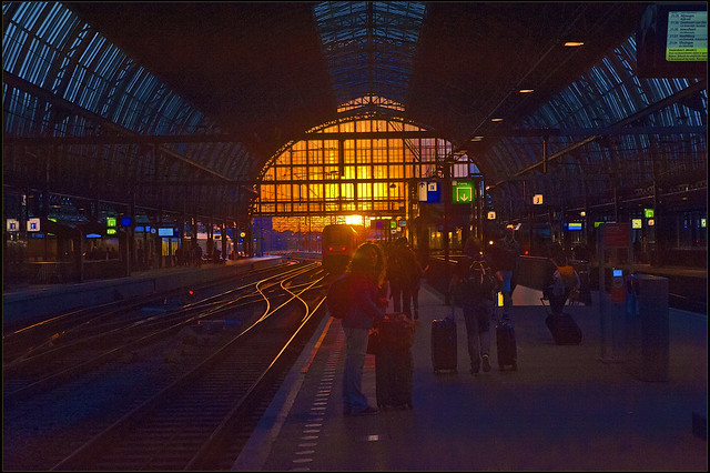 Let's go see a sunset in Amsterdam. Being there again, Amsterdam Central. No. 3232.