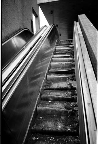 Dead escalator