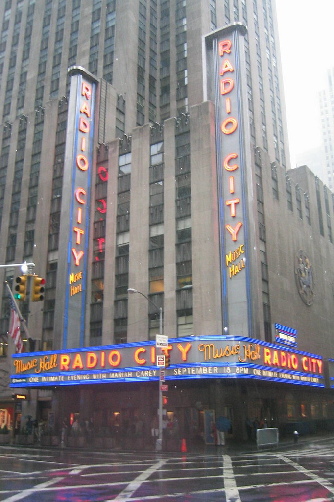 NYC: Rockefeller Center - Radio City Music Hall