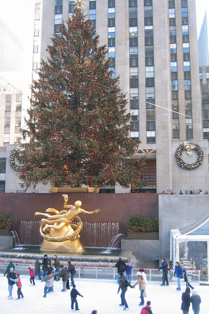 Christmas Tree In Nyc.Nyc Rockefeller Center Christmas Tree And Prometheus Flickr