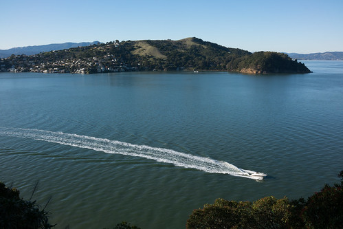 speedboat off Tiburon | by vhines200