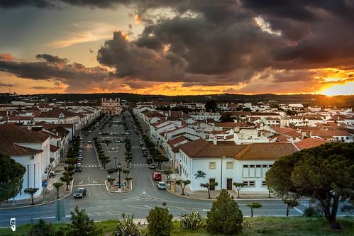 clouds alentejo portugal vila vicosa town sunset sundown beautiful windy canon 80d polariser 18135 orange white houses capela old amazing joby gorilla pod cars lights natural nocrop