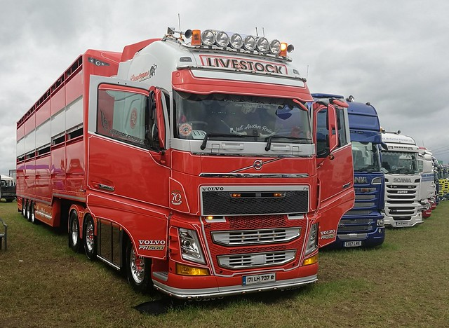 Crilly Volvo FH 500