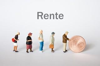 Leute folgen Geld - Rente | by Christoph Scholz