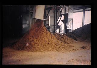 Palm Press Fiber (ppf) Produced In Palm Oil Mill  = パームオイル搾油工場から排出された PPF