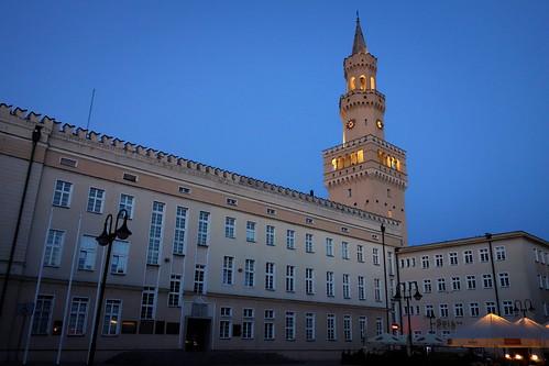 ratuszwopolu opole ratusz wieczór pozachodzie zmierzch centrum rynek townhallinopole townhall evening aftersunset dusk center market polska