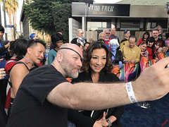Michelle Yeoh & Fans at the Star Trek Discovery Premiere - IMG_0040