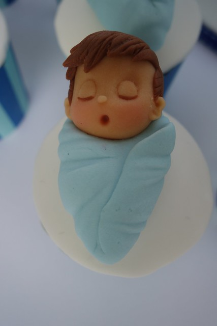 stork baby cake and cupcakes