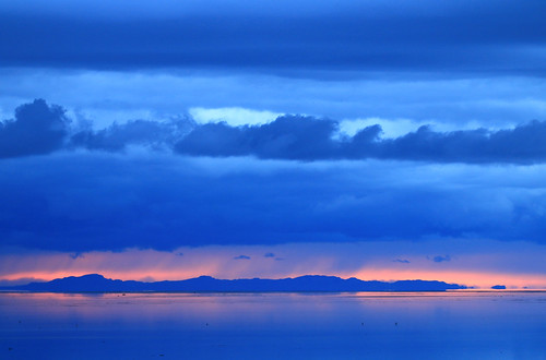 landscape waterscape greatsaltlake utah usa northamerica lake water sunset evening dusk sundown storm weather dramatic clouds sky rainclouds sun glow horizon reflection alideniese 7dwf quiet silence