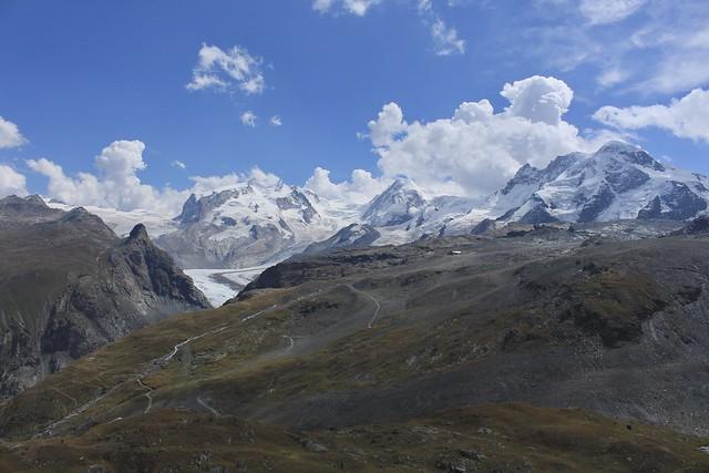 vue sur la Pointe Dufour 4634  mètres et le Mont Rose