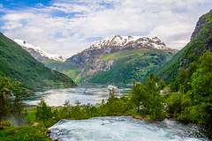 西ノルウェーフィヨルド群 - ガイランゲルフィヨルドとネーロイフィヨルド