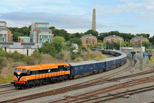 Retro liveried 073 with Belmond Grand Hibernian @ Islandbridge Junction, Dublin