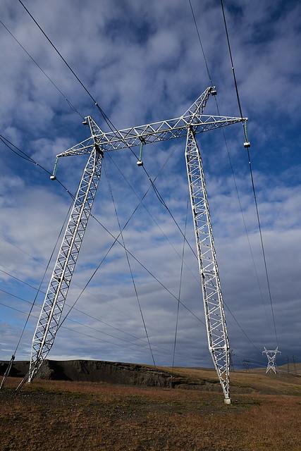 powerlines_L2100414