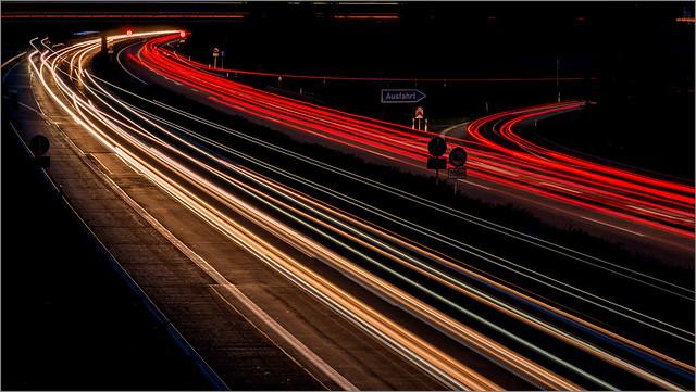 Fernverkehr auf der Autobahn / On the highway
