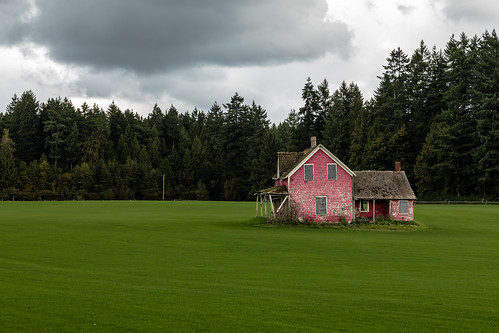 aldoracres canoneos5dmkiv fortlangely oncewashome canonef24105mmf4lisusm abandoned homestead landscape turffarm