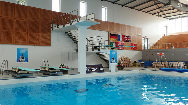 BOURG-EN-BRESSE (01) - Centre nautique du Carré d'Eau