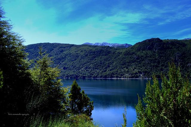 Lago Guglielmo. Patagonia Argentina.