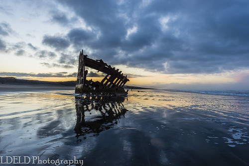 peteriredale fortstevens graveyardofthepacific sunrise ocean beach shipwreck clouds sand waves reflections morning dawn clatsop oregon pacific