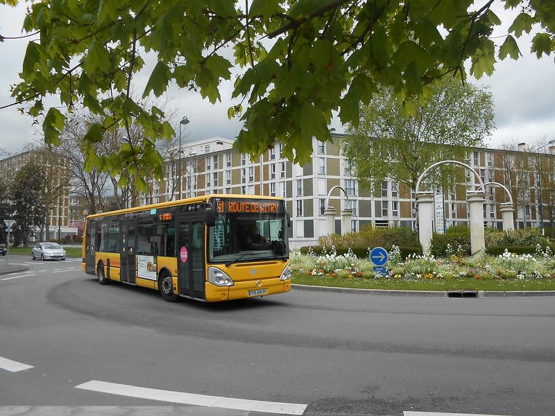 Reims bus 36665357710_d859d88b04_c