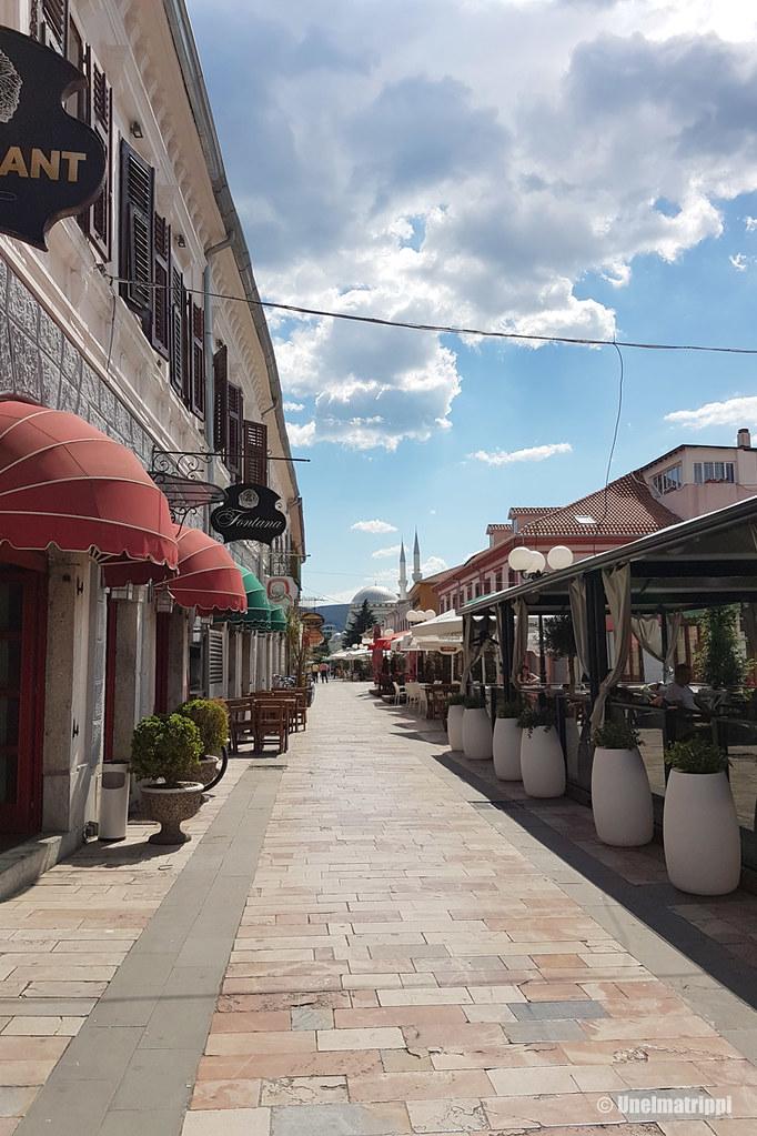 Kävelykatu Albanian Shkodërissa