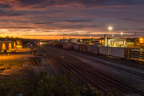 unitedstates ny railroad csx night sunset selkirkyard railyard canon 7dmarkii goldenhour
