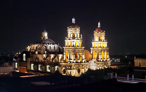 El Templo de la Compañía de noche