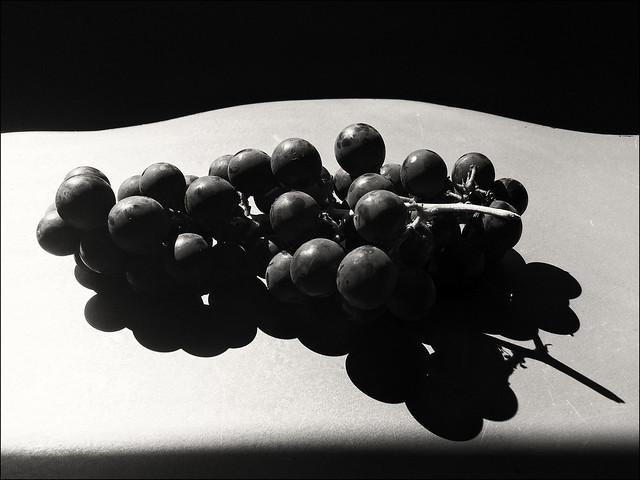 STILL LIFE - Grapes