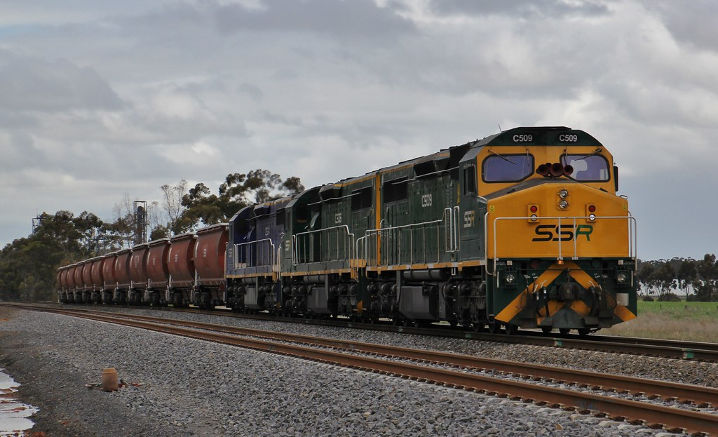 C509 C506 and C504 load the first SSR grain train from Dimboola grain flow by bukk05