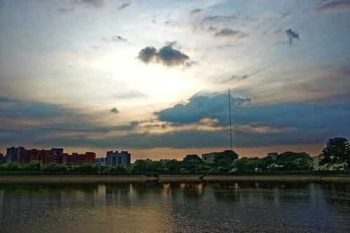 2017 08 aug 八月 dusk sunset 黃昏 日落 夕照 bade 八德 pond park 埤塘 公園 yzu
